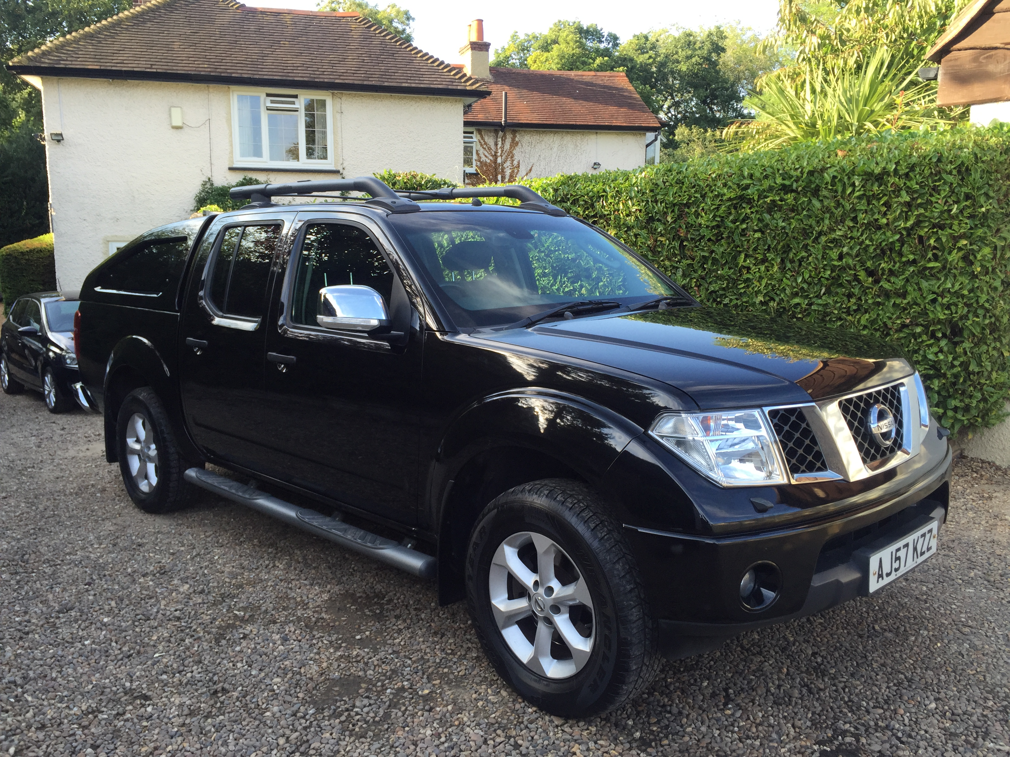 nissan navara aventura double cab pick up 2 5 diesel gs vehicle servcies. Black Bedroom Furniture Sets. Home Design Ideas